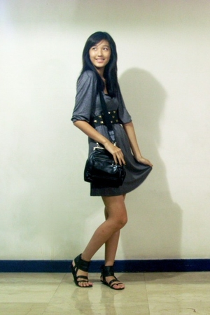 gray Mango dress - black Mango purse - black Zara shoes - Archaeology at Rockwel