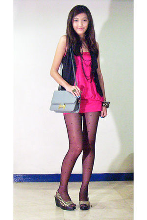 pink random dress - gold HIP shoes - gray purse - black Zara Trf vest