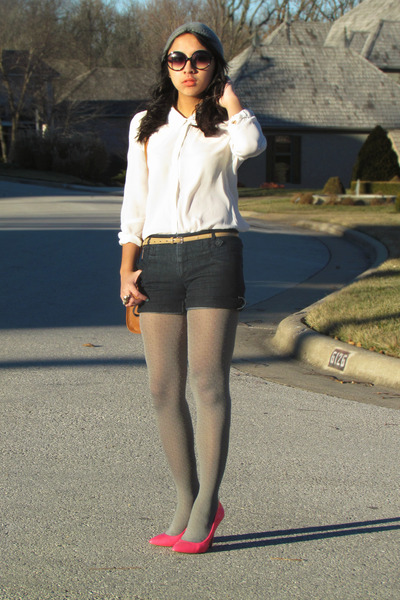 heather gray beanie Forever 21 hat - white H&M shirt - navy Express shorts
