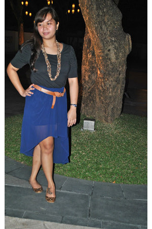 mullet skirt - Guess necklace - m&co top - Ziggy & Zooey flats