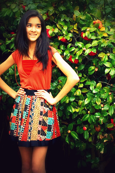 orange top - red intimate - orange skirt