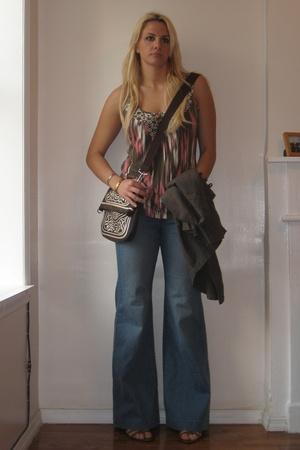 Uniqlo jeans - Old Navy shirt - Esprit purse