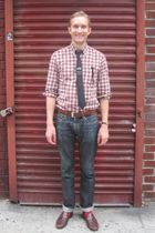 red Zara shirt - blue Bergdorf Goodman tie - blue Uniqlo jeans
