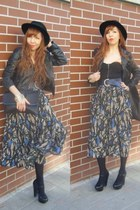 H&M Trend skirt - Divided dress - Divided hat - Divided jacket - Szputnyik belt