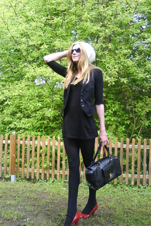 H&M sunglasses - 2hand vest - H&M shirt