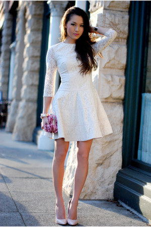 off white Bebe dress - light pink Boutique 9 heels