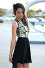 Gold-jovanna-london-dress-black-aldo-heels