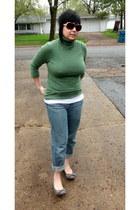 boyfriend Jeanstar jeans - green turtleneck Gap sweater