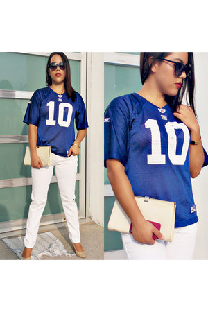 off white denim jeans - blue NFL shirt - nude leather flexi heels