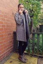 navy loose fit top Zara top - brown Primark boots