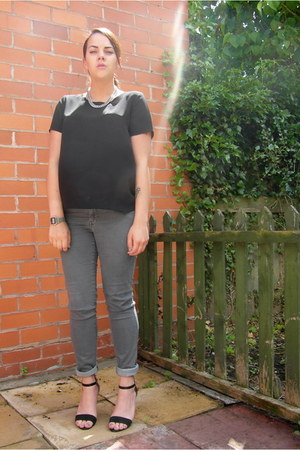 black cross over back Matalan top - heather gray H&M jeans