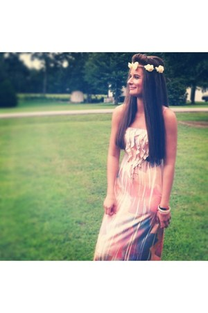 maxi dress Target dress - floral PacSun hair accessory