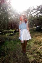 white circle DIY skirt - tan knee high Breckelles boots