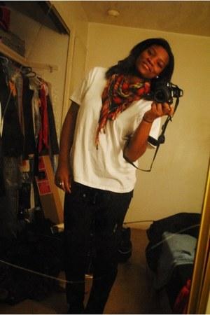 black denim Levis jeans - red cotton Hot Topic scarf - white cotton Hanes t-shir