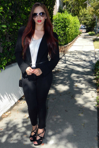 black zipper Express leggings - heather gray aviator ray-ban sunglasses