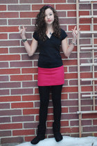 black button tee Juicy Couture shirt - black tights - hot pink wool united color