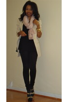 black moto leggings - beige thrifted blazer - thrifted bag