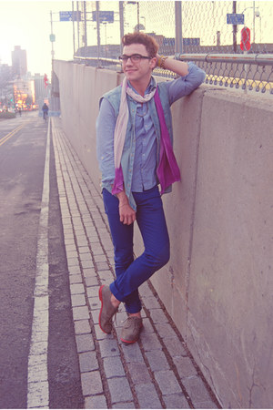 periwinkle JCrew shirt - tan suede H&M shoes - blue Uniqlo jeans
