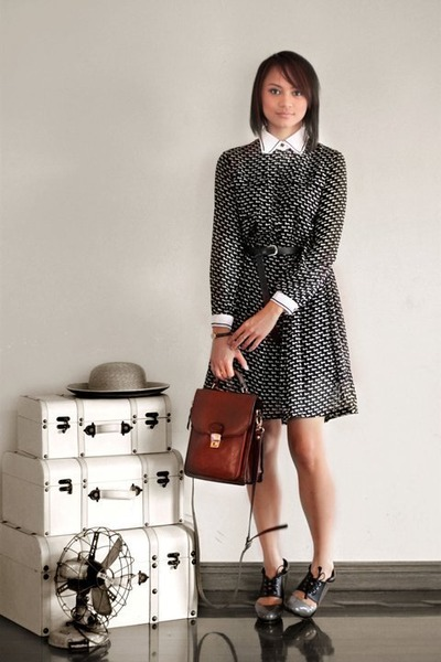 fan vintage accessories - black Oh My Godot Vintage dress