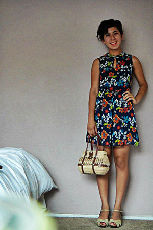 navy flower print random brand dress - eggshell handmade bag