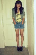 green blazer - black shoes - blue shorts - black - yellow t-shirt - black