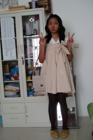 Zara blouse - Forever21 accessories - random brand skirt - random brand tights -