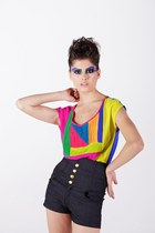 Elegant and stylish chiffon Tee with bold colour pattern.