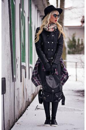 black Yoins shoes - black Yoins jacket - gold OASAP sunglasses