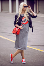 heather gray Tinydeal dress - red Tinydeal bag - red Tinydeal sneakers