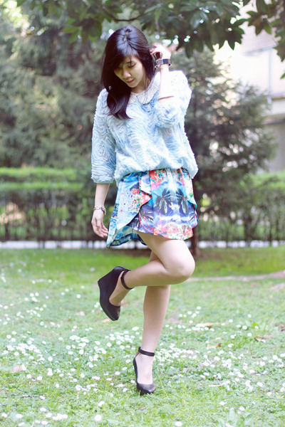 blue spring paint Zara skirt - light blue flowers Zara sweater