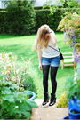 White-h-m-top-blue-h-m-shorts-black-m-s-tights-black-pimkie-boots