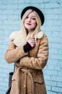 Vintage-coat-h-m-hat-gucci-bag