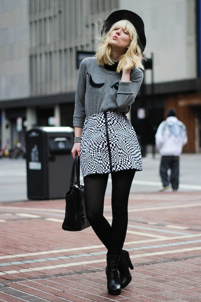 heather gray French Connection sweater - black Nasty Gal skirt