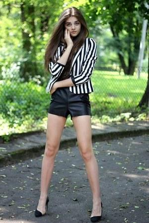 white Bershka blazer - black leather Bershka shorts - black Zara heels