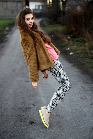 beige H&M shoes - white H&M pants - salmon H&M cardigan