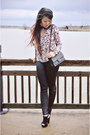 Black-leather-hue-leggings-tortoise-chanel-bag-pink-floral-zara-blouse
