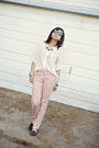 Light-pink-forever-21-jeans-house-of-harlow-sunglasses