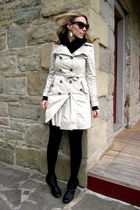 beige BB Dakota coat - black Steve Madden boots
