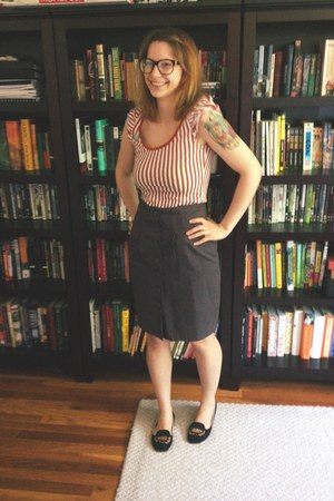 burnt orange H&M shirt - gray Yesstyle skirt - black crown modcloth flats