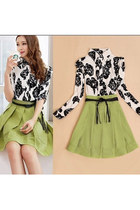 Elegant Contrast Color Mock Two Pieces Half Sleeve Pleated Floral Print Dress