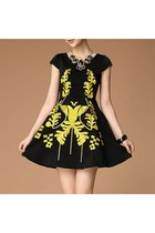Short Sleeve Embroidery Crew Neck Sheath Skater Dress