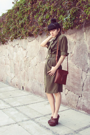 dark brown leather purse - olive green yellow dotted vintage dress