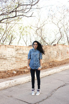 blue denim shirt Levis shirt - navy legging jeans Levis jeans