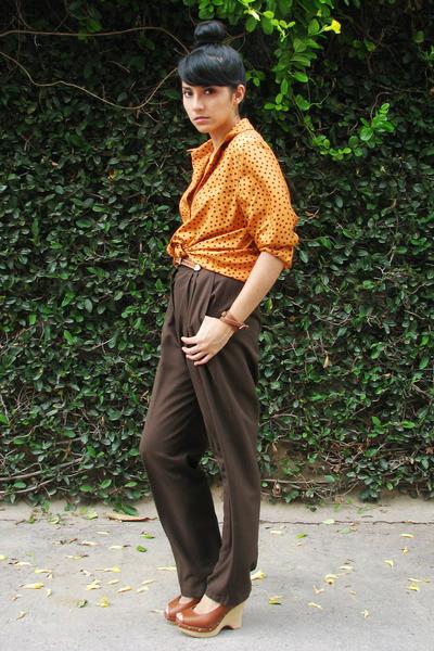 orange dotted vintage shirt - brown vintage pants - brown leather vintage belt