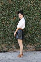 off white cotton liz claiborne shirt - camel leather Steve Madden shoes