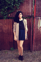 green pleated skirt vintage skirt - black flexi boots - tan vintage blazer