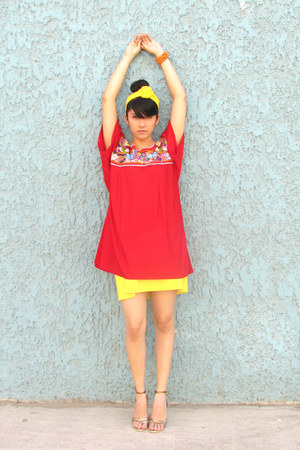 gold unknown shoes - red cotton vintage blouse - yellow a-line vintage skirt - o