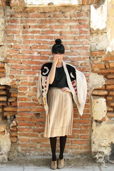 tan vintage cardigan - tan vintage shoes - black tights - black top - tan skirt
