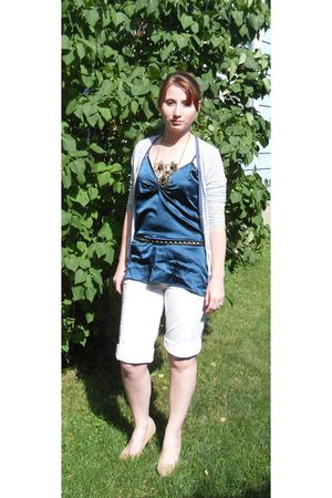 blue thrift top - white Target shorts - beige Forever21 shoes - beige modcloth n