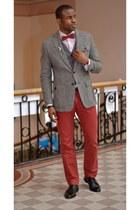 brick red silk bow tie vintage tie - black leather vintage shoes